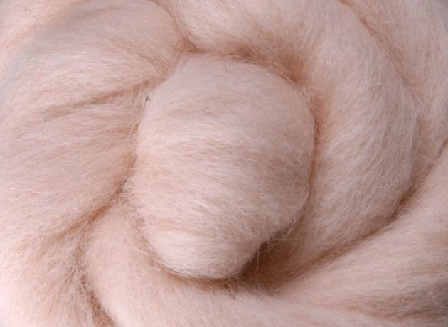 Corriedale Wool Sliver/Roving/Top - Blush [Light Skin] - 1kg
